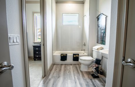 Skyway Builders guest bathroom