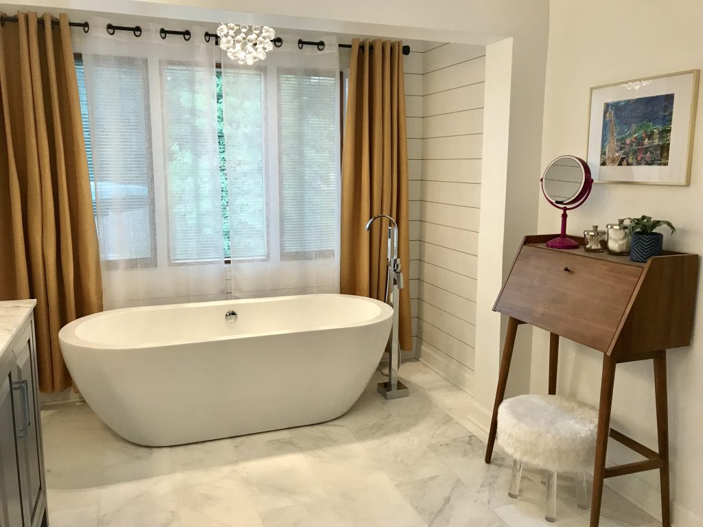 nflight Photography master bath after