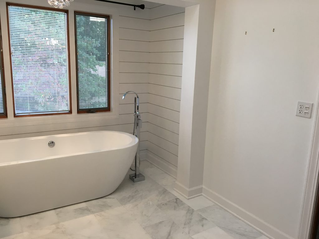 nflight Photography master bath before